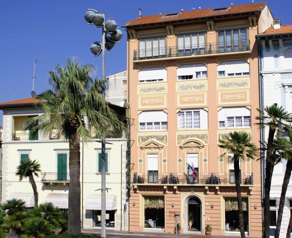 Hotel liberty viareggio